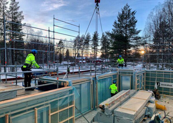 Jorntrahus Tillsammans forverkligar Jorntrahus och Contractor husdrommar fritidshus byggsats prefabricerade
